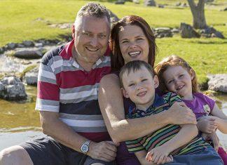 Stefan Fischer mit Frau Karin, Sohn Patrick und Tochter Lena-Marie.