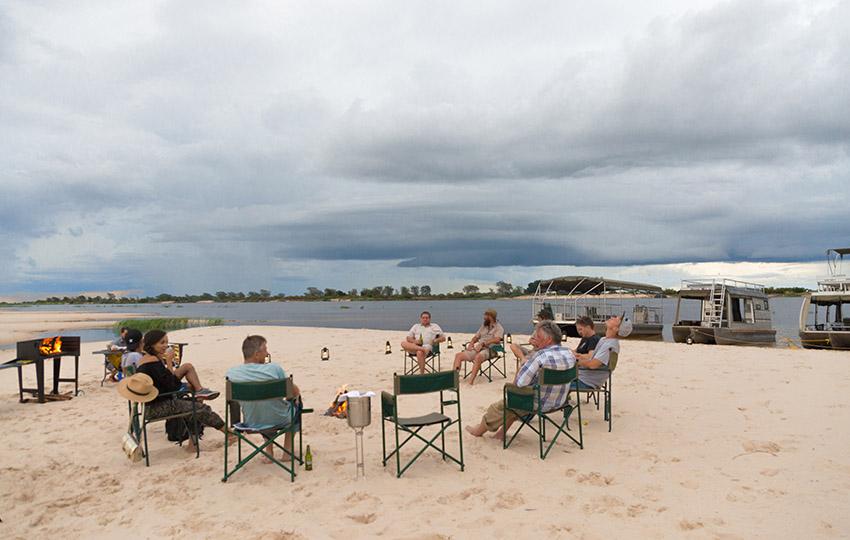 Lager am Ufer