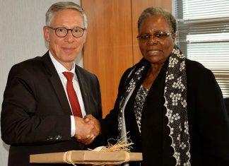 Bremen Bürgermeister und Namibias Außenministerin