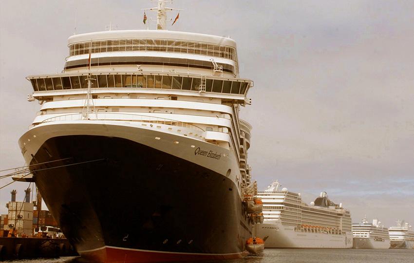 Walvis Bay Hafen Kreuzfahrtschiffe