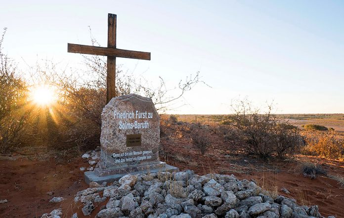 Grab zu Solms, Kalahari Anib Lodge