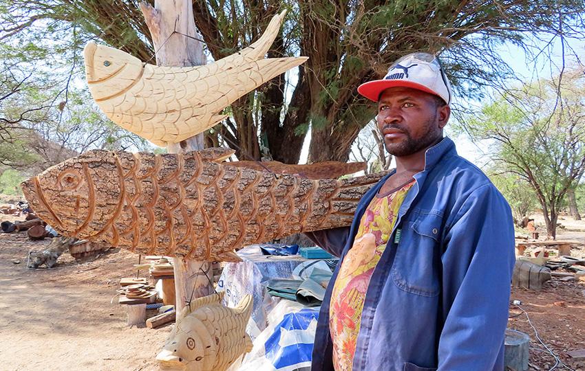 Holzschnitzer in Okahandja