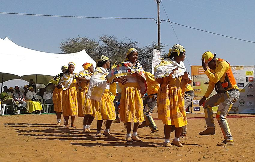 Tänzer bein Nama-Festival