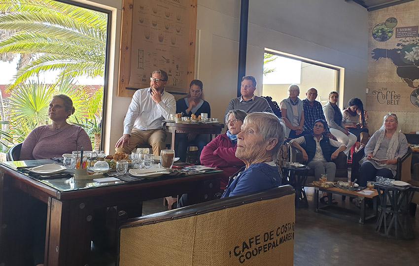 Besucher, Two Beards Coffee