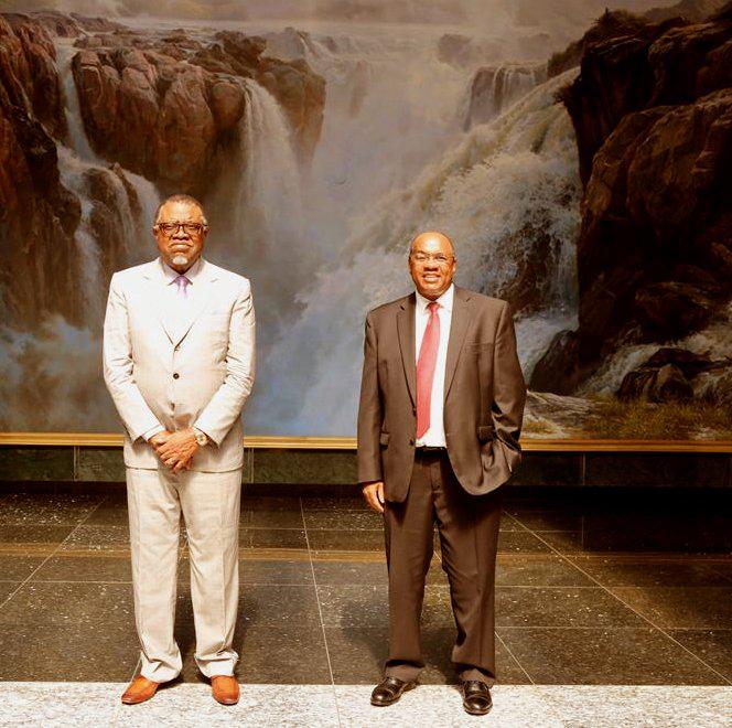 Präsident Geingob und Johannes Gawaxab