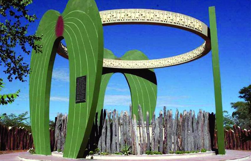 Mandume Denkmal, Oihole, Angola
