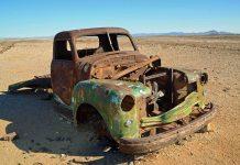 Autowwrack zwischen AiAis und Canyon Lodge, Namibia